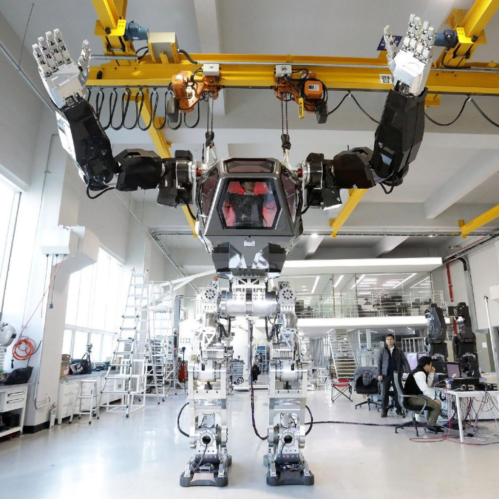 South Korean Robot Company Builds A Manned Walking Robot