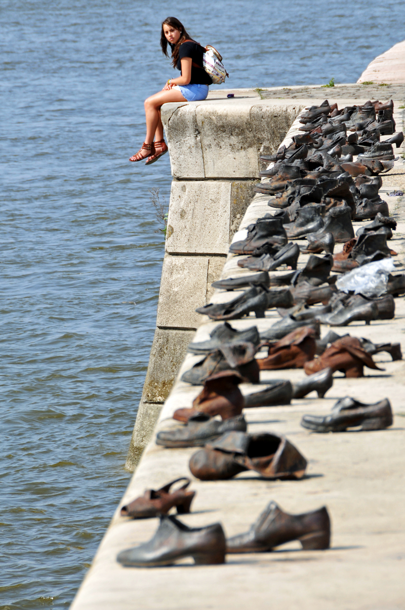 hungary-0057_-_shoes_on_the_danube_7263603836