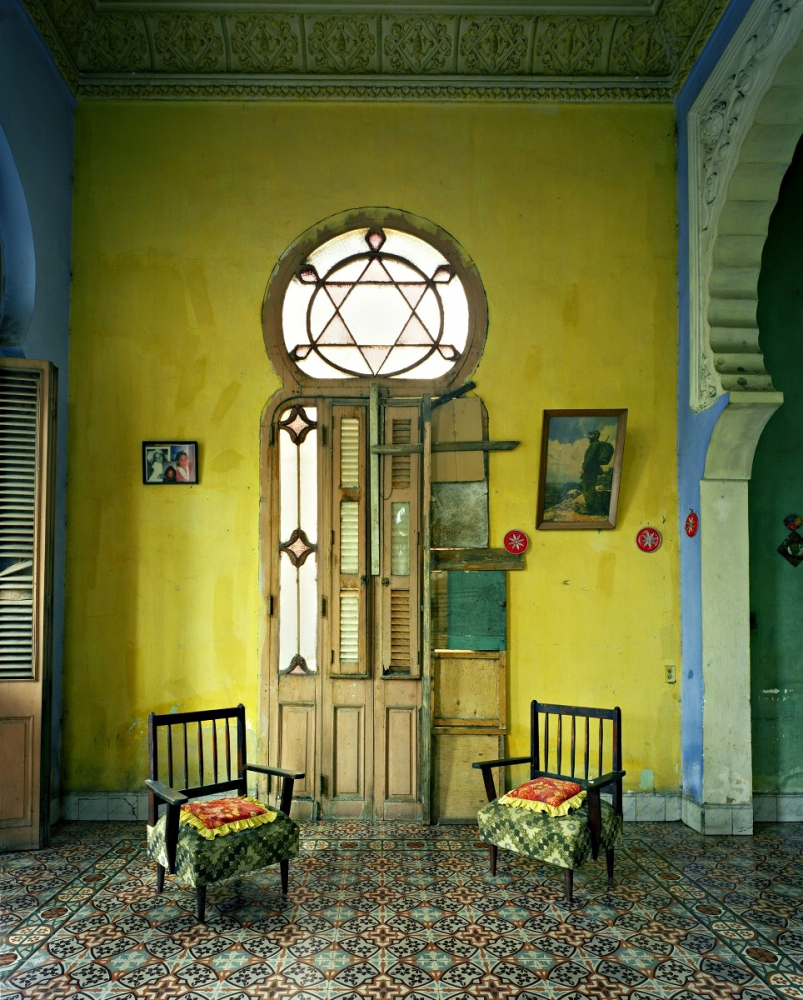 eastman_yellow-room-havana_lrg-9s-