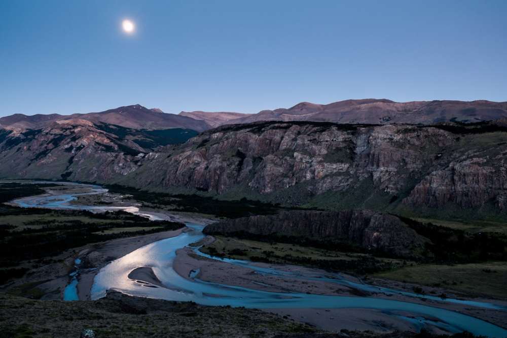 EL CHALTEN / ARGENTINA - Even after 10 hours of hiking, have your camera (and tripod) at hand! We were quite late on our way back from Mt. Fitz Roy, but I couldn't miss to take a shot of the moon above a valley along the trail.