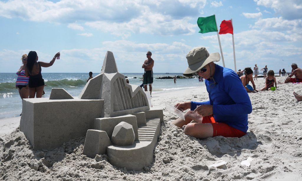 Calvin Seibert: On se igra u pesku i živi od toga
