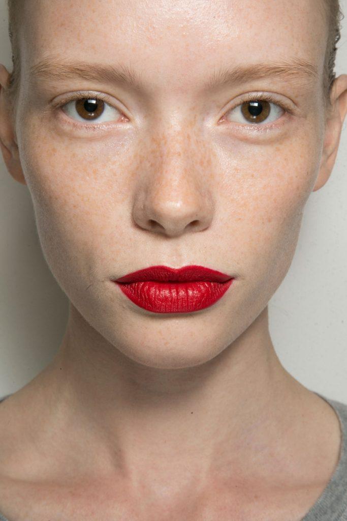 Letnji make-up – 5 brzih i lakih trendova za plus 40